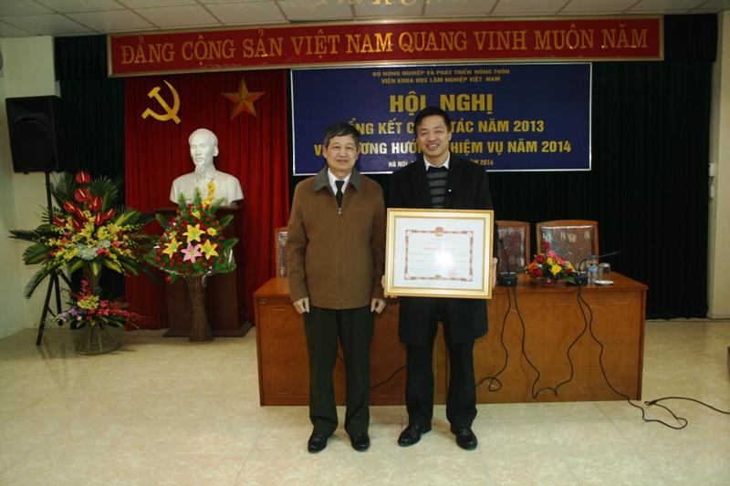14-01-16 Khen thuong4